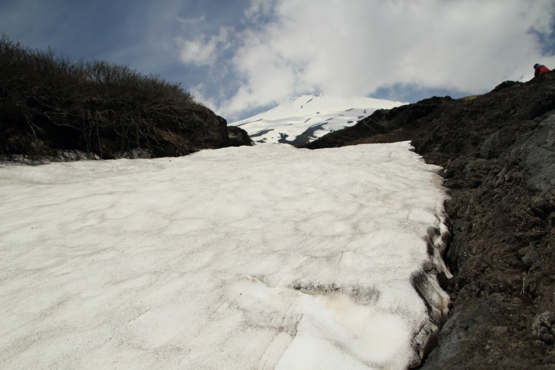 15.幻の滝_雪渓と富士山